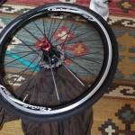 今更だけれど自転車のタイヤをはめるコツを教えてください